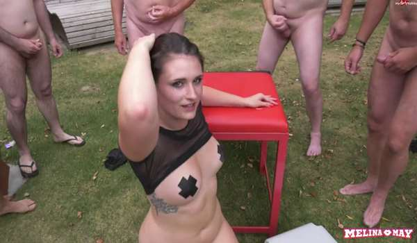 Melina-May Outdoor Sperma Gangbang
