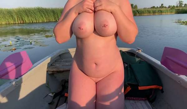 Sex in a boat on the lake