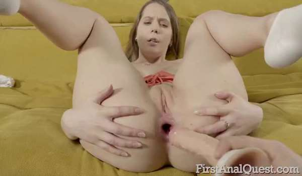Cute cirl Stasia tries her first anal