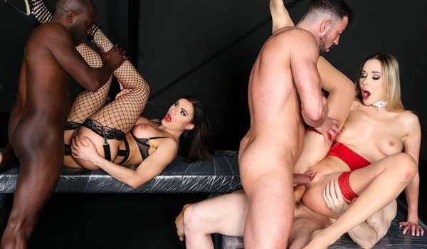 Group sex spectacle