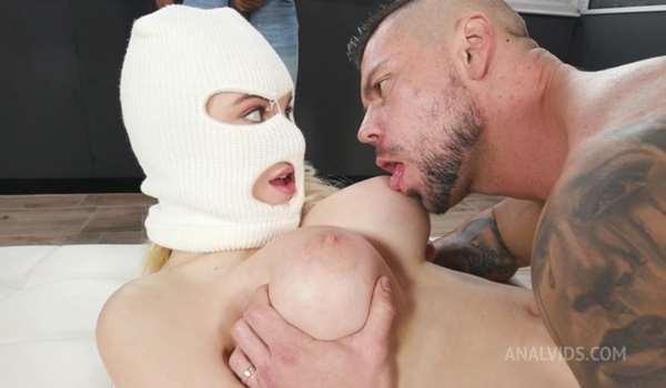 Paola Hard gets DAP treatment